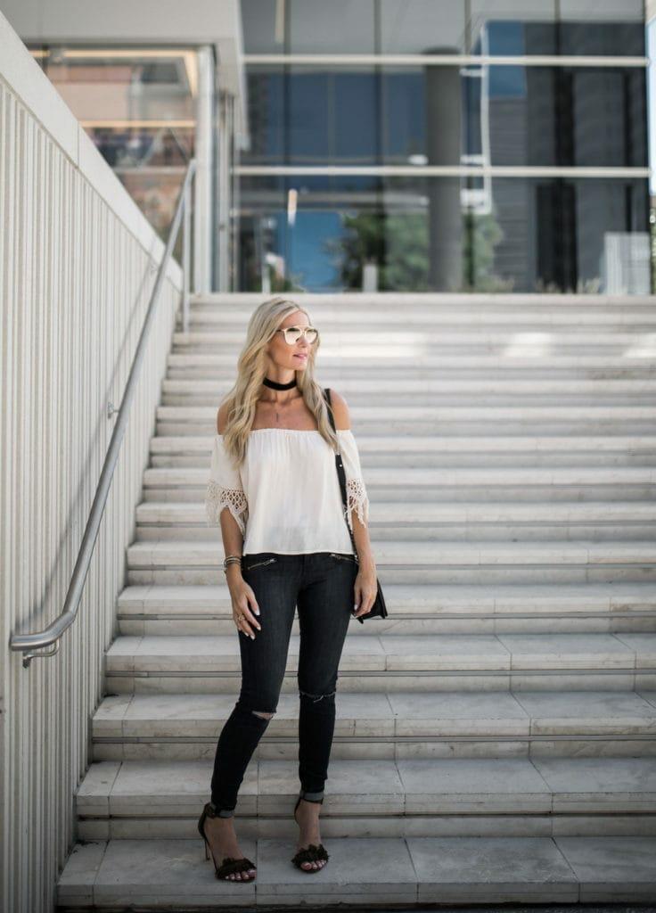 Dallas Fashion Blogger, Crochet Top, Black Velvet Choker