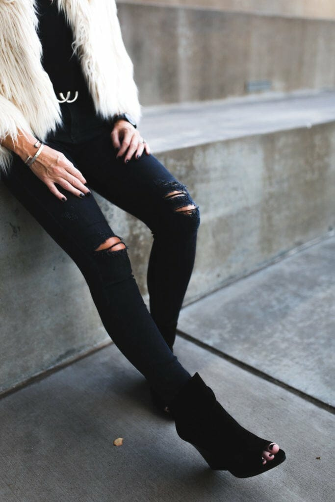 Dallas Style Blogger, Black Ripped Jeans, Vince Camuto Suede Booties