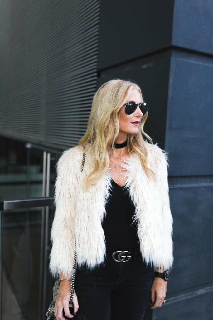 Dallas Style Blogger, Gucci Belt, Black Velvet Choker