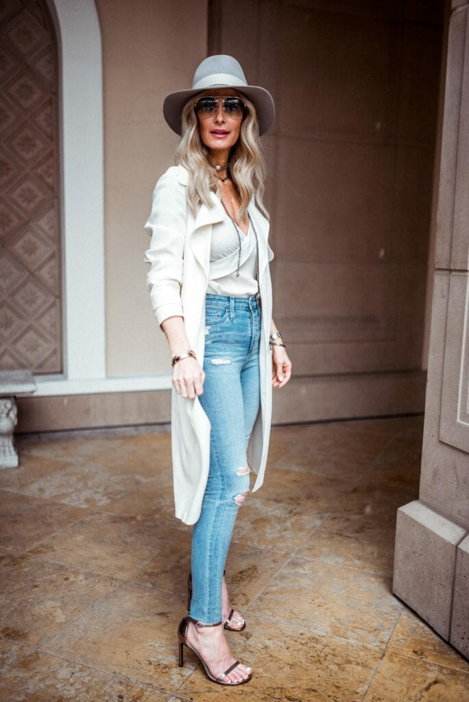 Dallas Style Blogger wearing Theory Trench Coat Outfit