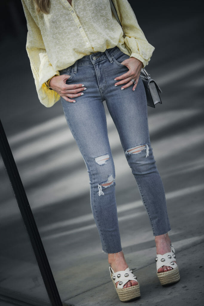 How to Style Ripped Jeans for Summer