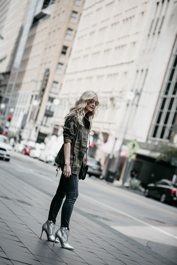 Dallas fashion blogger wearing Veronica Beard Boots