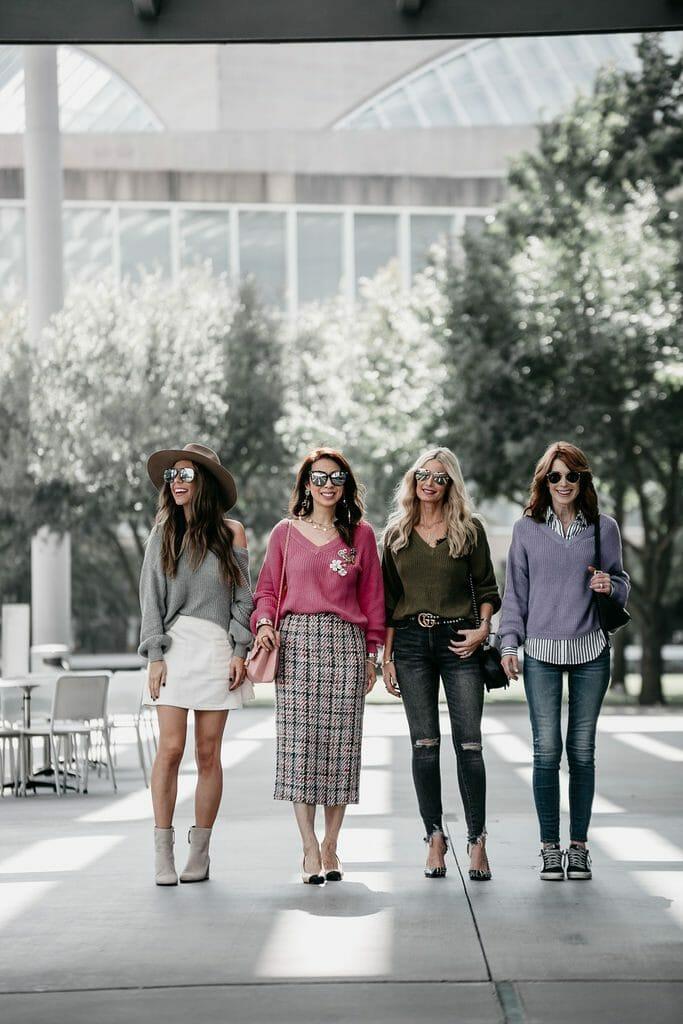 Dallas bloggers wearing v neck sweater