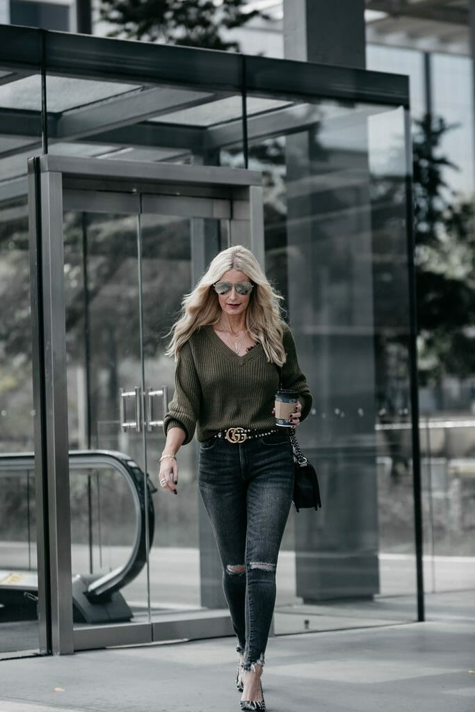 Dallas style blogger wearing a v neck sweater