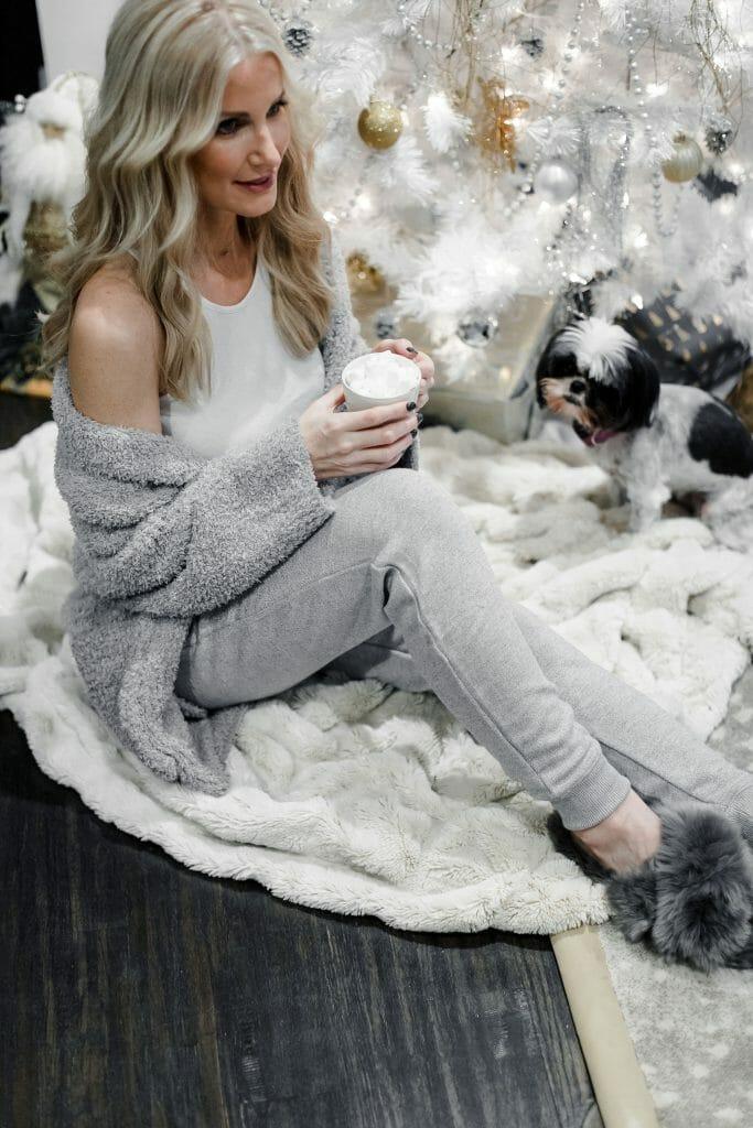 Chic loungewear on Dallas fashion blogger