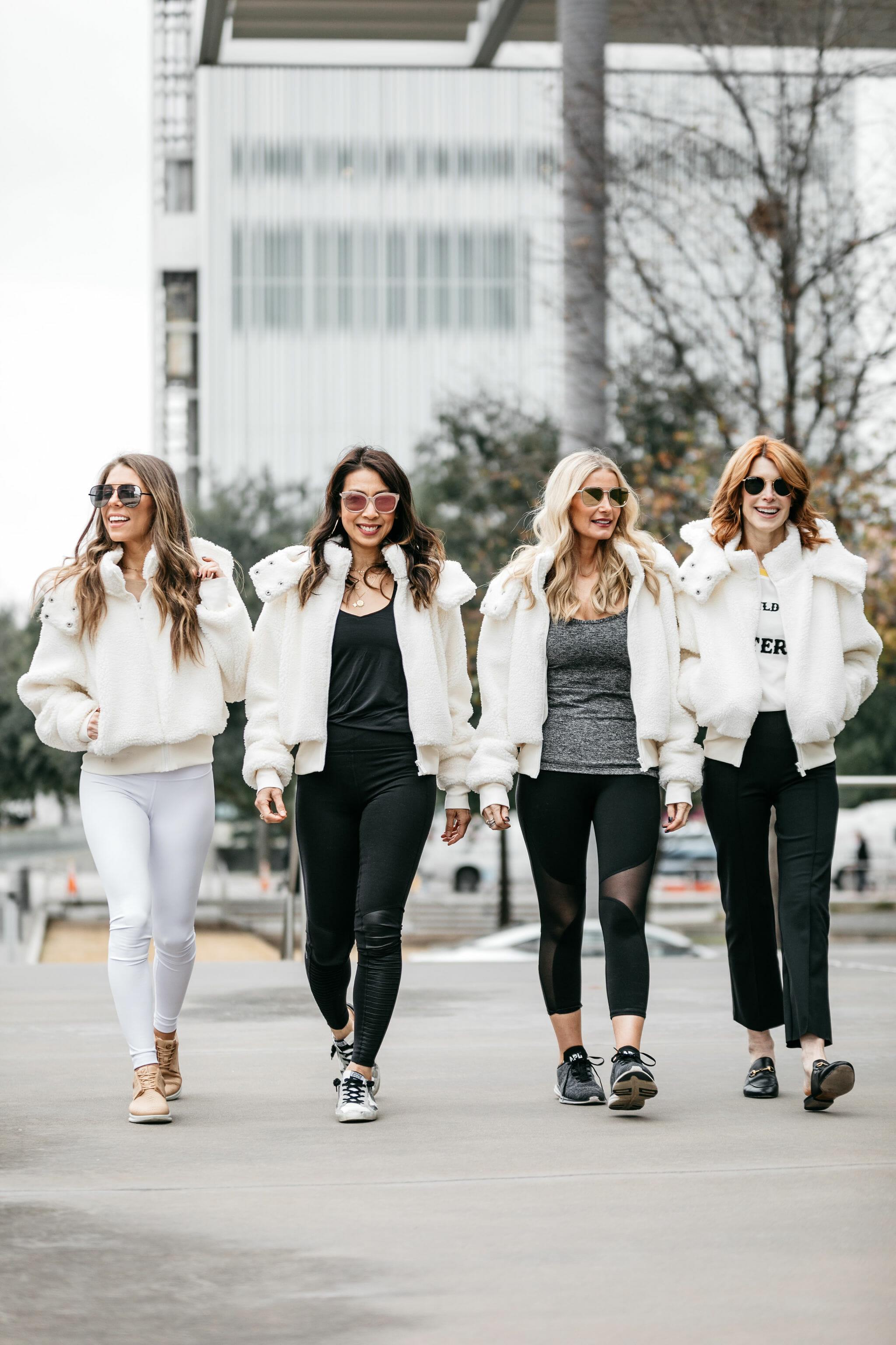 Alo yoga wear on Dallas bloggers
