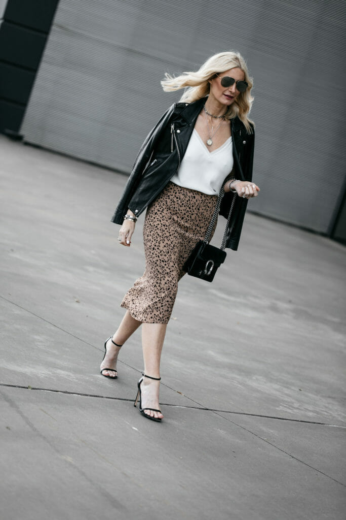 How to wear a leopard midi skirt