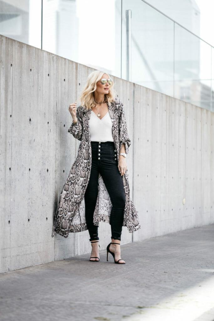 Dallas blogger wearing snake print duster