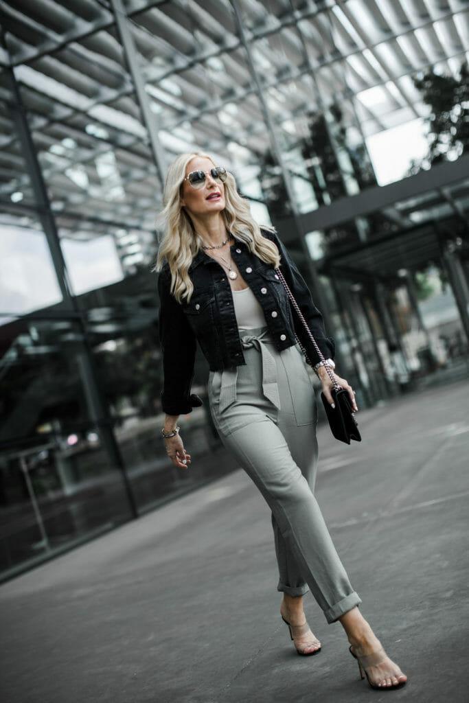 Dallas blogger wearing affordable wardrobe basics