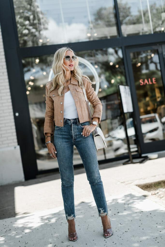Dallas blogger wearing a Blanknyc suede jacket