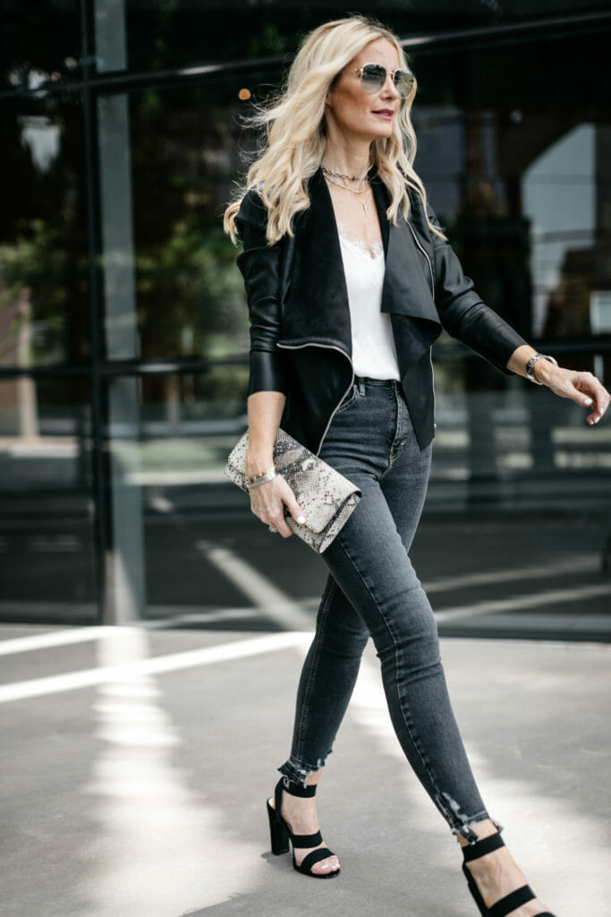 Dallas blogger wearing Blanknyc jacket and Topshop jeans