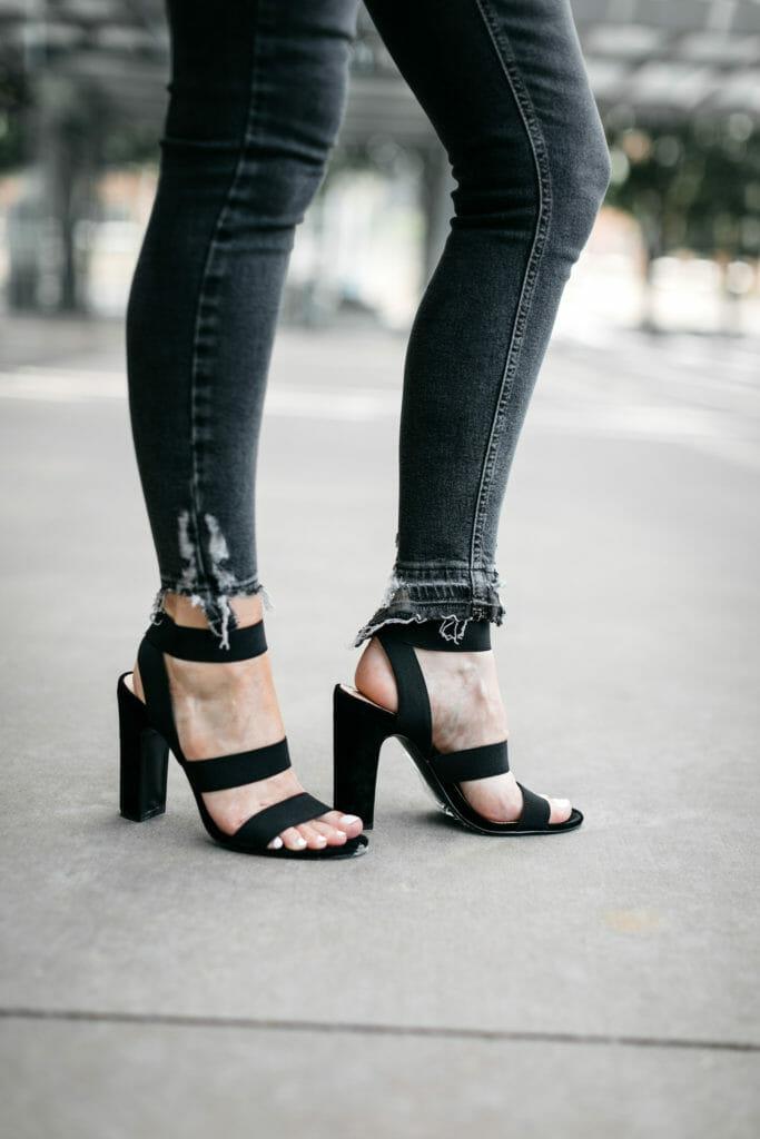 Dallas blogger wearing Steve Madden black heels