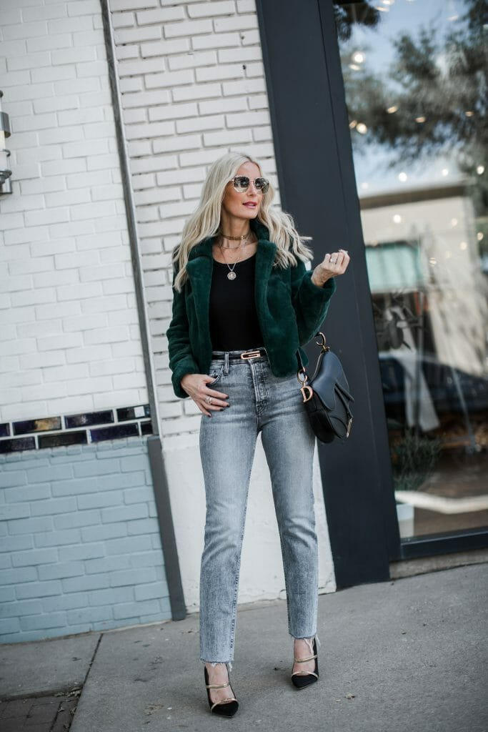 Dallas blogger wearing Mother gray jeans