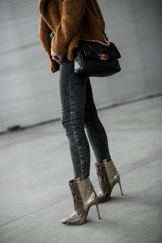 Dallas blogger wearing Paris Texas snake print boots