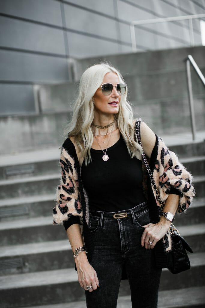 Dallas Blogger Wearing A Leopard Cardigan and Frame Denim
