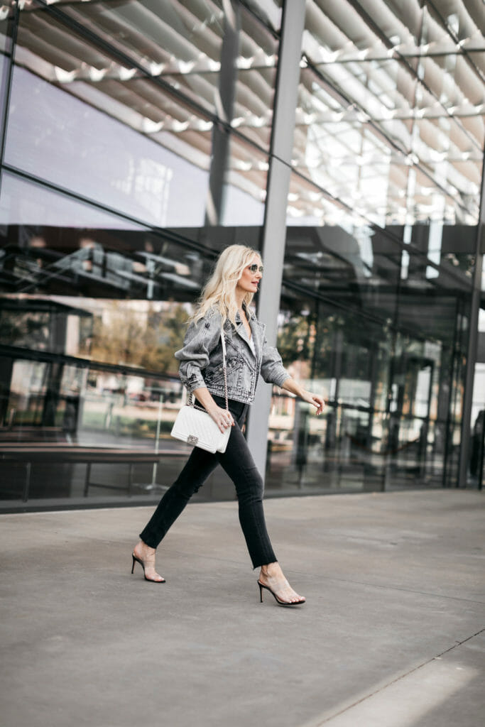 Dallas blogger wearing black jeans and heels
