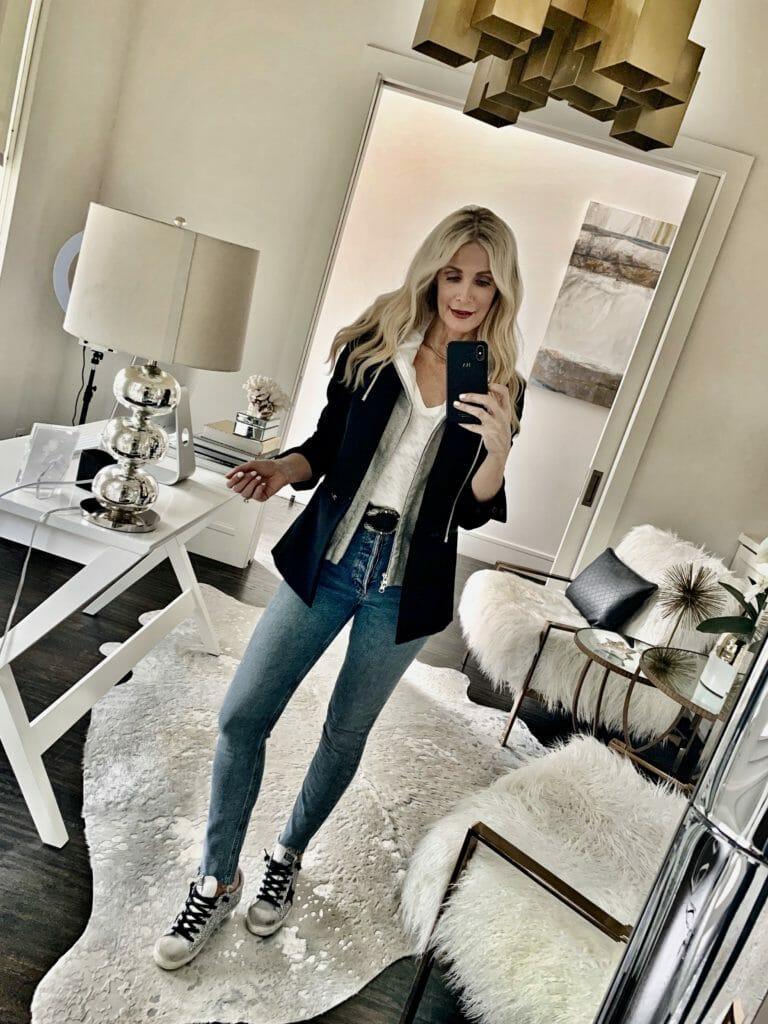 Dallas blogger wearing a versatile blazer