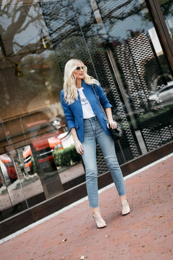 Dallas fashion blogger wearing a blue blazer and jeans