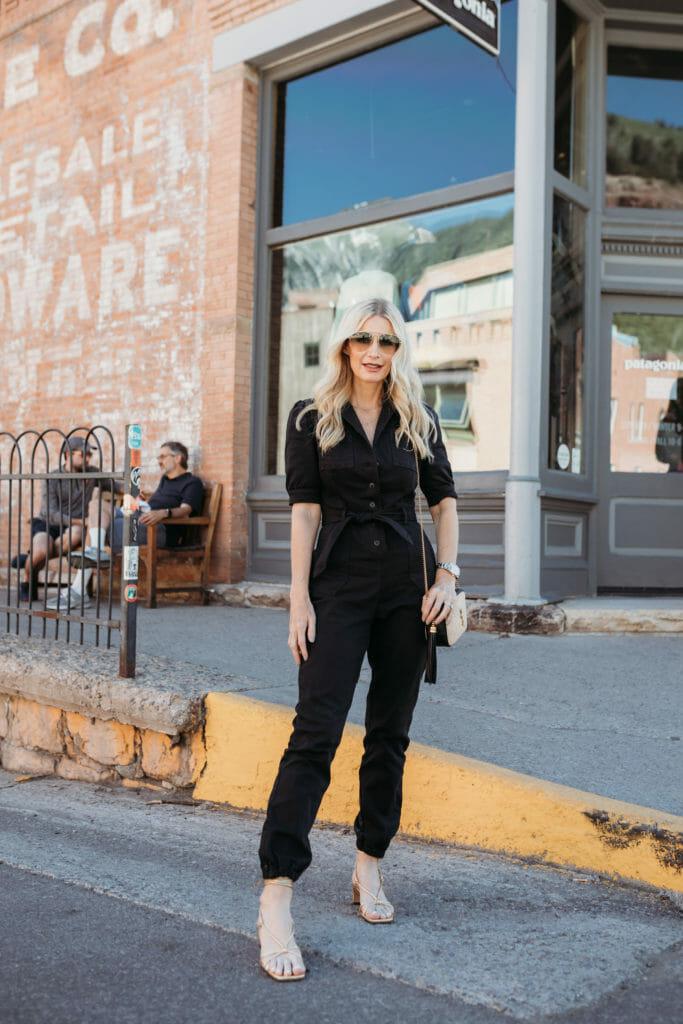 Dallas fashion blogger wearing Anine Bing heels