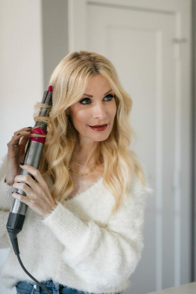 Dallas blogger using the Dyson curling iron