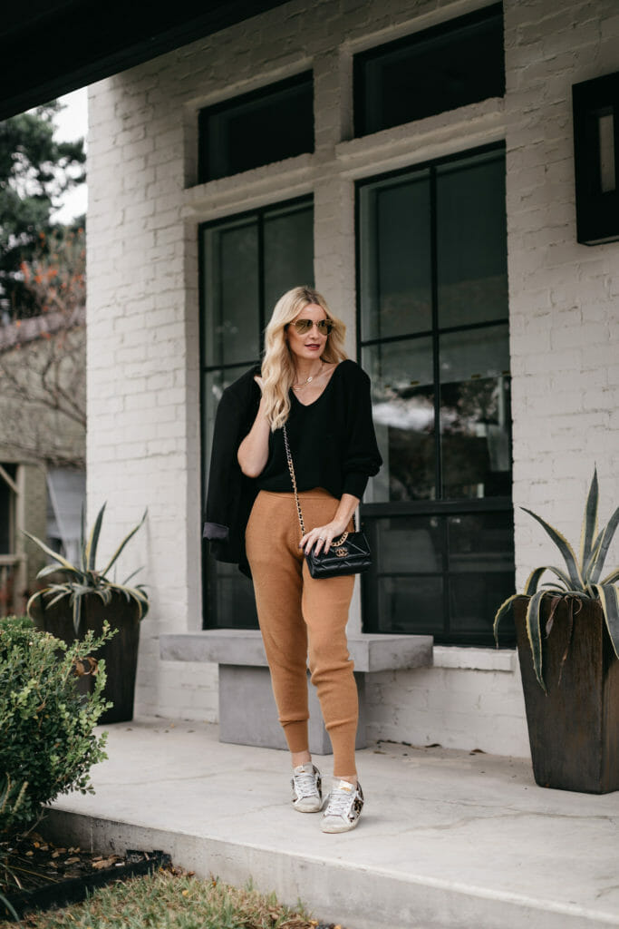 Dallas blogger wearing brown ribbed joggers and a black cashmere sweater