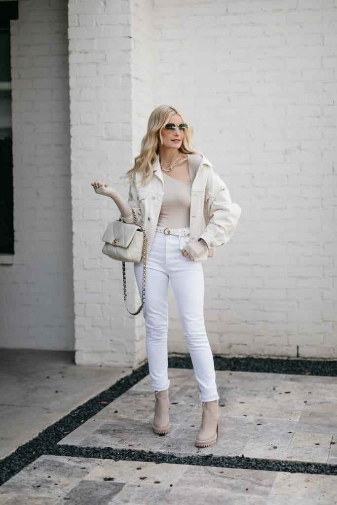 Dallas style blogger wearing white denim and a cream bodysuit