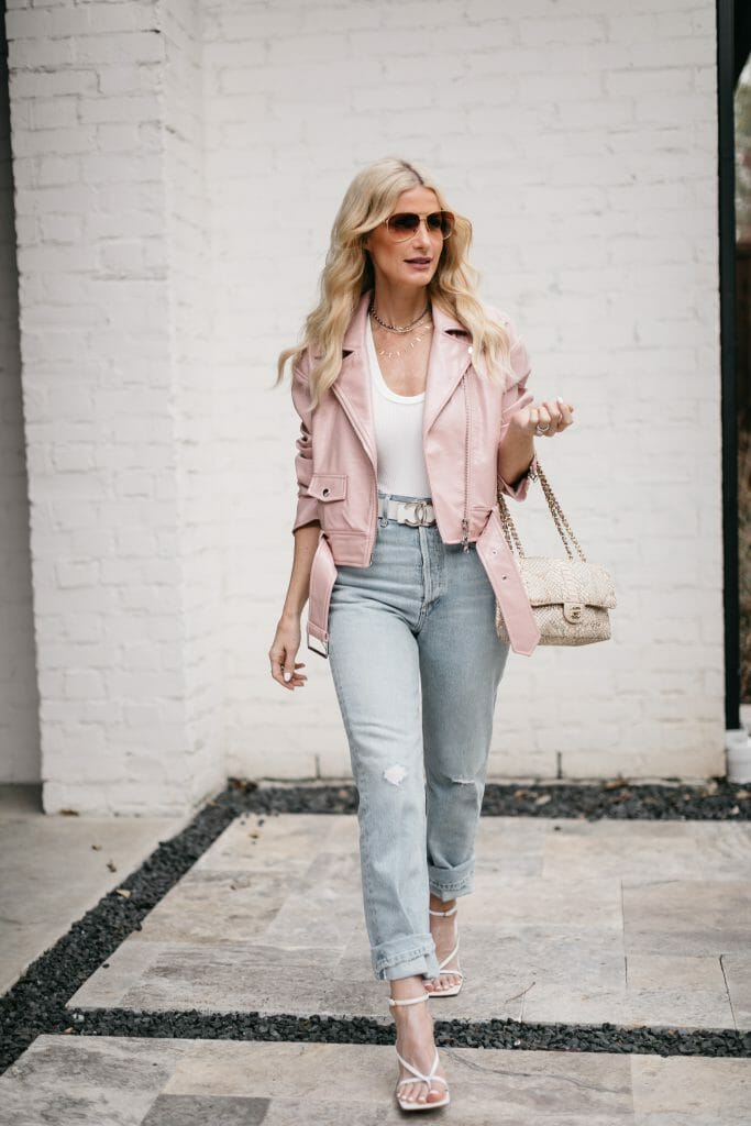 Dallas blogger wearing a white bodysuit and light wash denim for spring