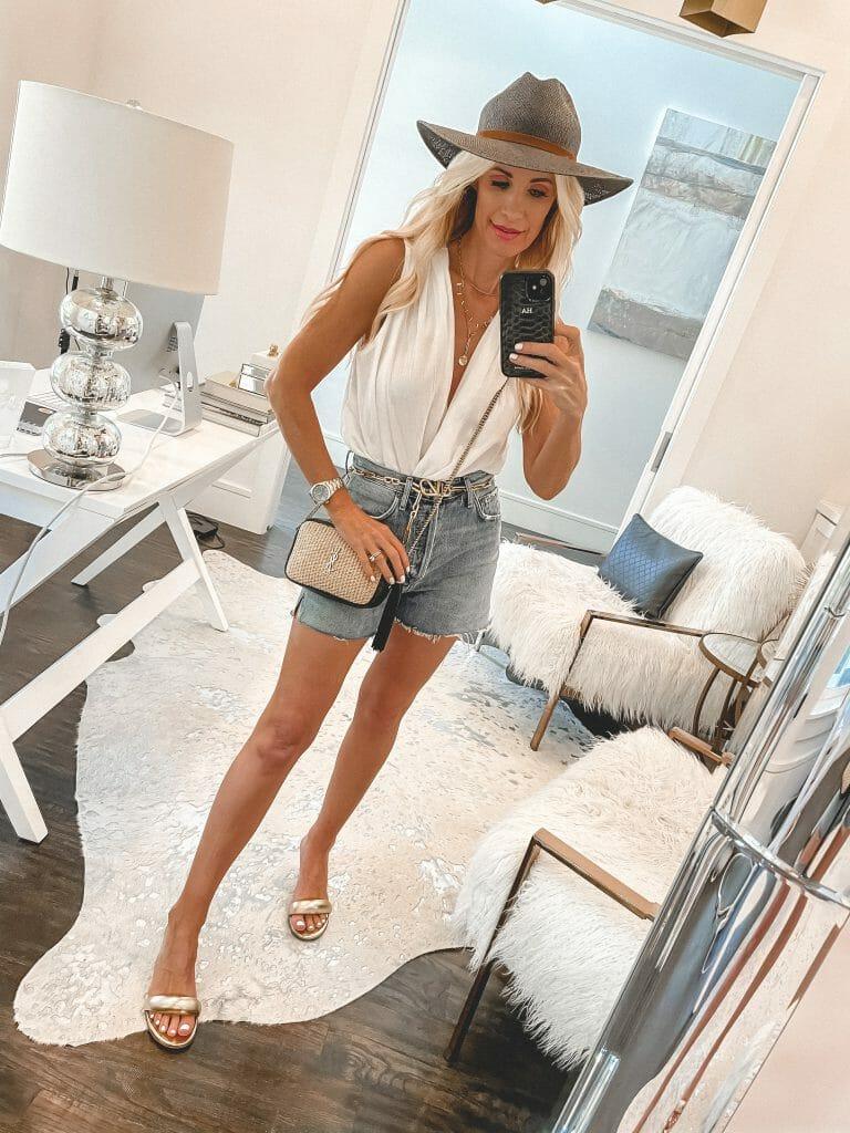Dallas blogger wearing Agolde denim and a white tank
