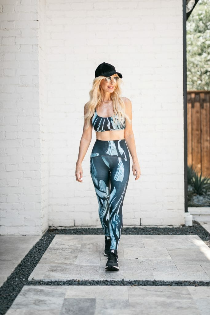 Dallas blogger wearing a workout set and a black hat from the Nordstrom Anniversary Sale 2021
