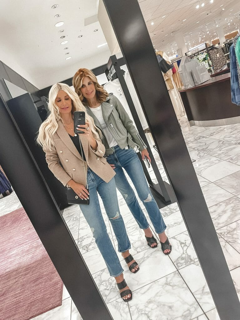 So Heather blog wearing a tweed blazer and Paige denim at the NSALE